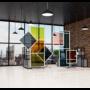 Kép 4/17 - Egyedi formájú és méretű plexi védőfal irodaházban
